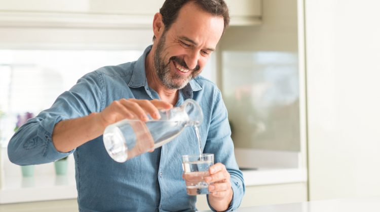 Drinking water is the healthiest option for quenching your thirst. Most people have two options for getting their daily water intake – bottled water or tap water. However, bottled water produces large amounts of plastic waste. Tap water tastes bad in many areas. There is a solution to get the right amount of fluids in […]